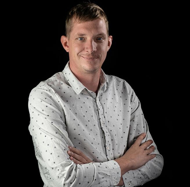 uliusz Korwin awansował na stanowisko account directordziału client service w agencji Bluecloud Interactive